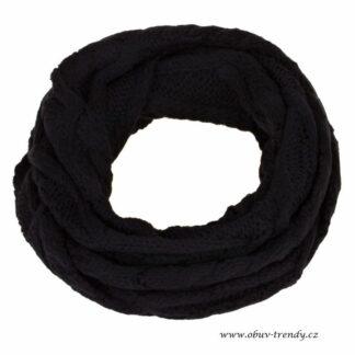 černá kulatá šála