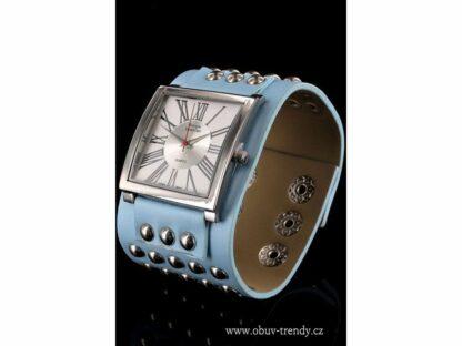 dámské hodinky s nýty