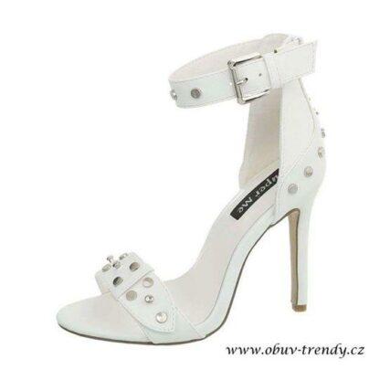 bílé sandálky na jehle Super Me