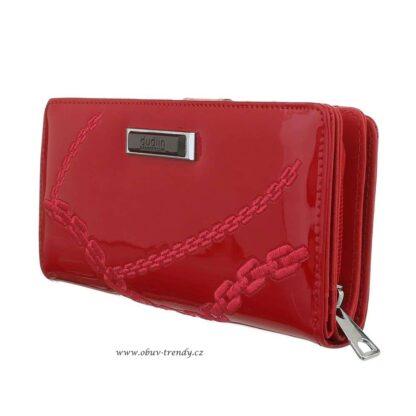 Červená lakovaná peněženka