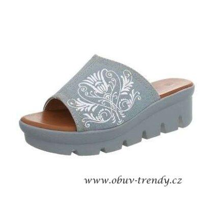 džínové pantofle